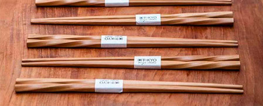uso-de-los-palillos-japoneses